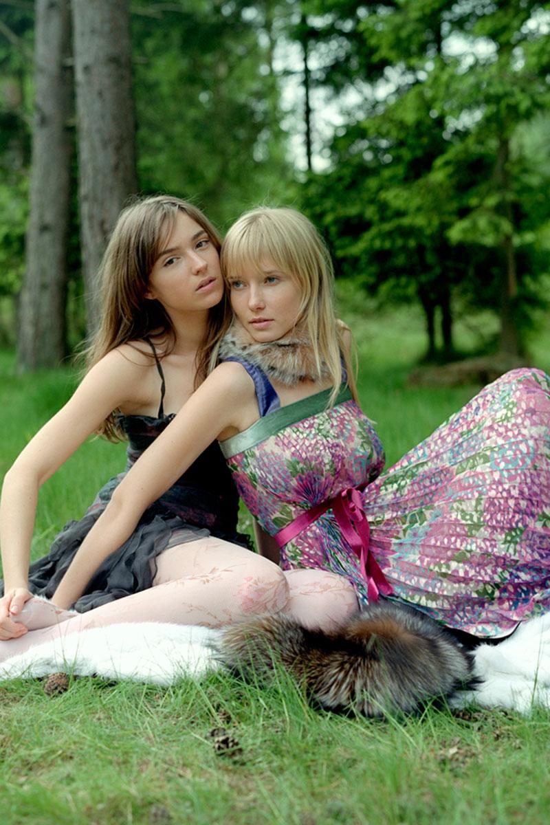 Valentine et Casha - Babes in The Wood