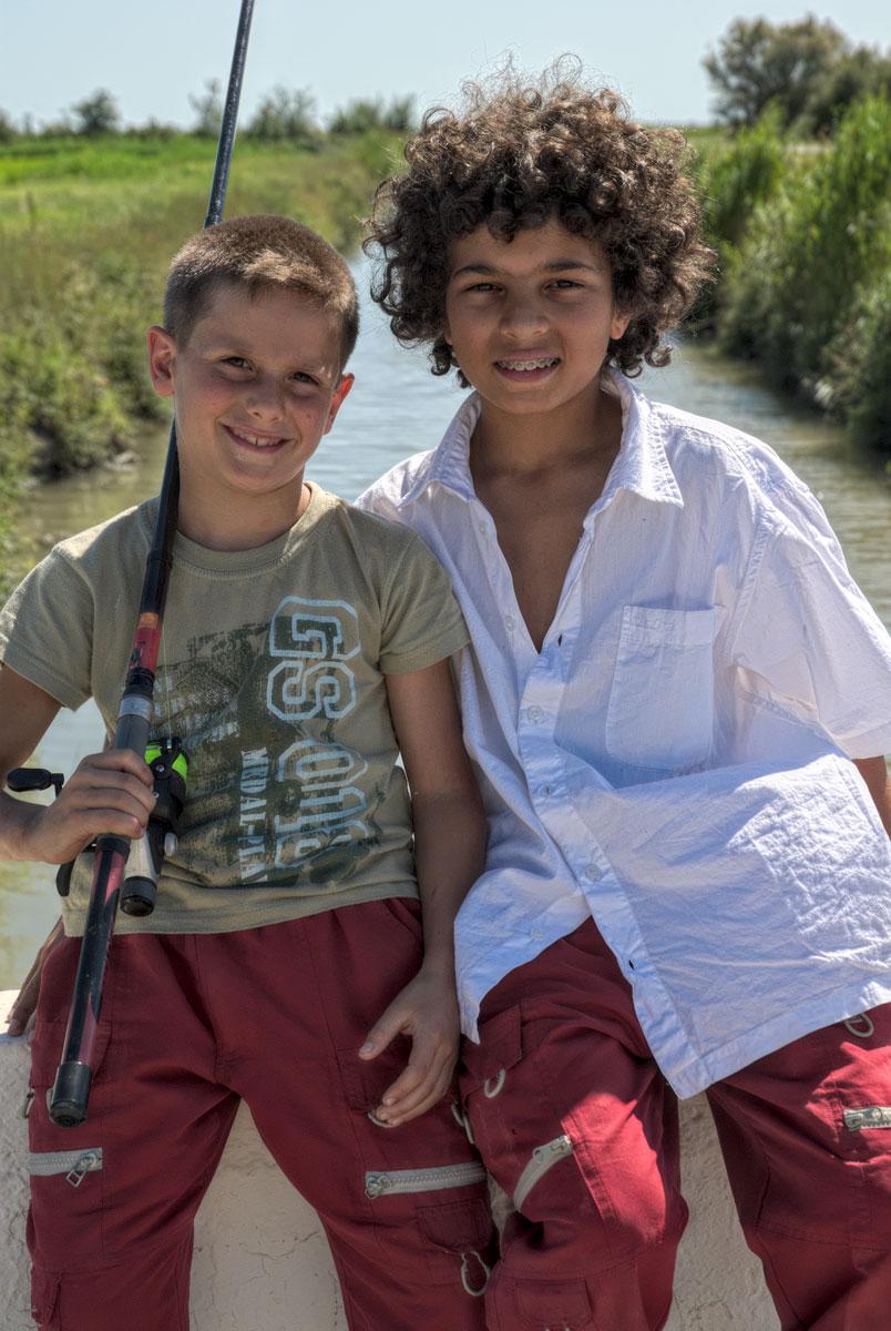Arles-Boys-Fishing